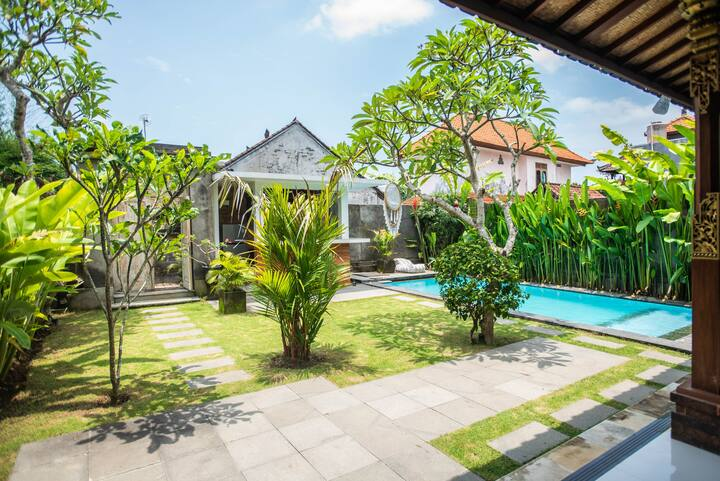 """The Gold Ring"": new villa in Ubud"