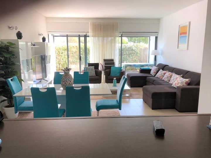 Luxury 2 Bedroom Seaside Apartment