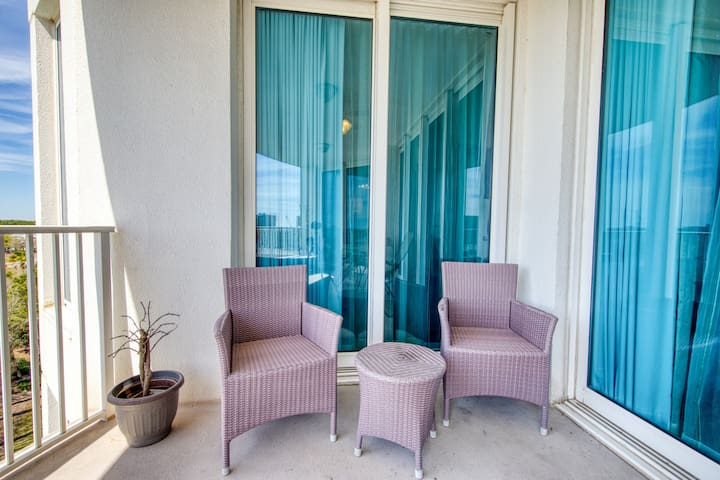 Premium Cleaned | Spacious, Open Unit, Stunning Views, Minutes to the Gulf