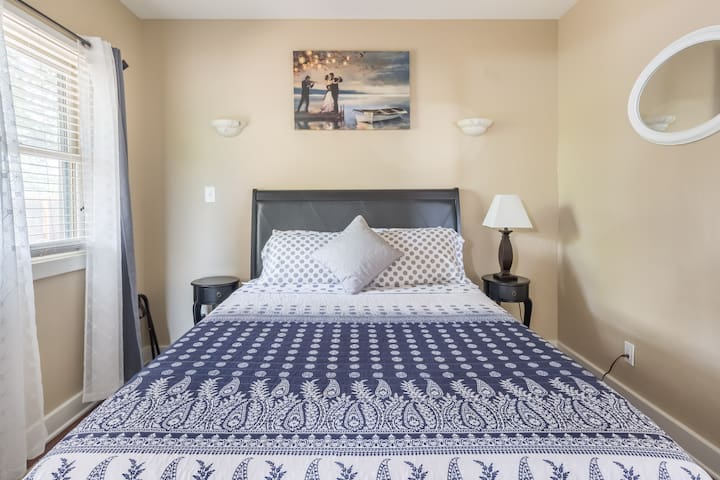 New, comfortable Cool Gel, ventilated memory foam mattress and comfy bedding with loads of pillows!