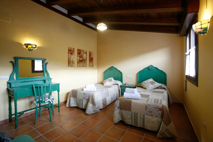 Guest House Felisa Private Room Prepirineo Aragon2 - Santa Eulalia de Gállego - Guesthouse