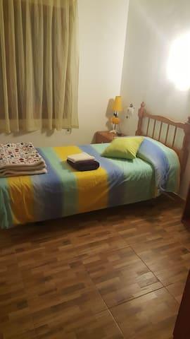 alquiler habitación  por meses o a dias.
