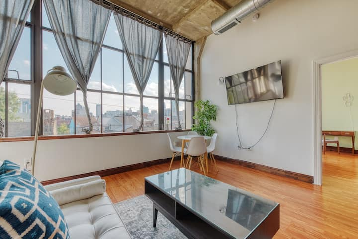 Sosuite | Lovely 2BR Home w. Discounted Parking + Skyline Views