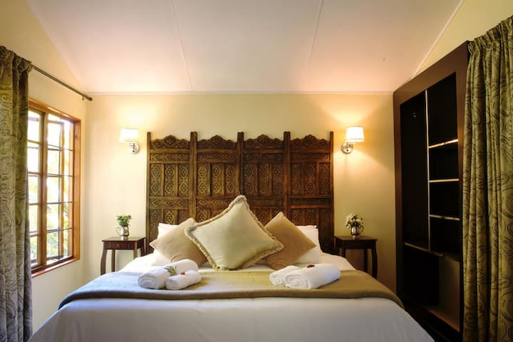 Almar View Guest House - Self-Catering Room