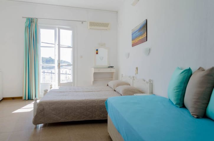 Pension ververi 3 with sea view