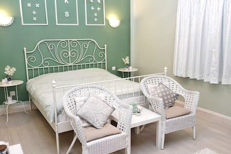 Beautiful Room, Green surroundings! - Dubai - Villa