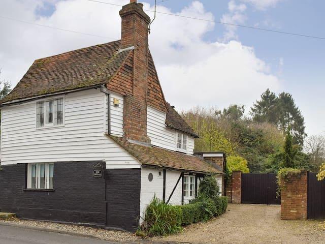 Oak Cottage (UK13440)