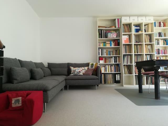 Wunderschöne 3-Zi-Wohnung, neu renoviert, Gärtchen