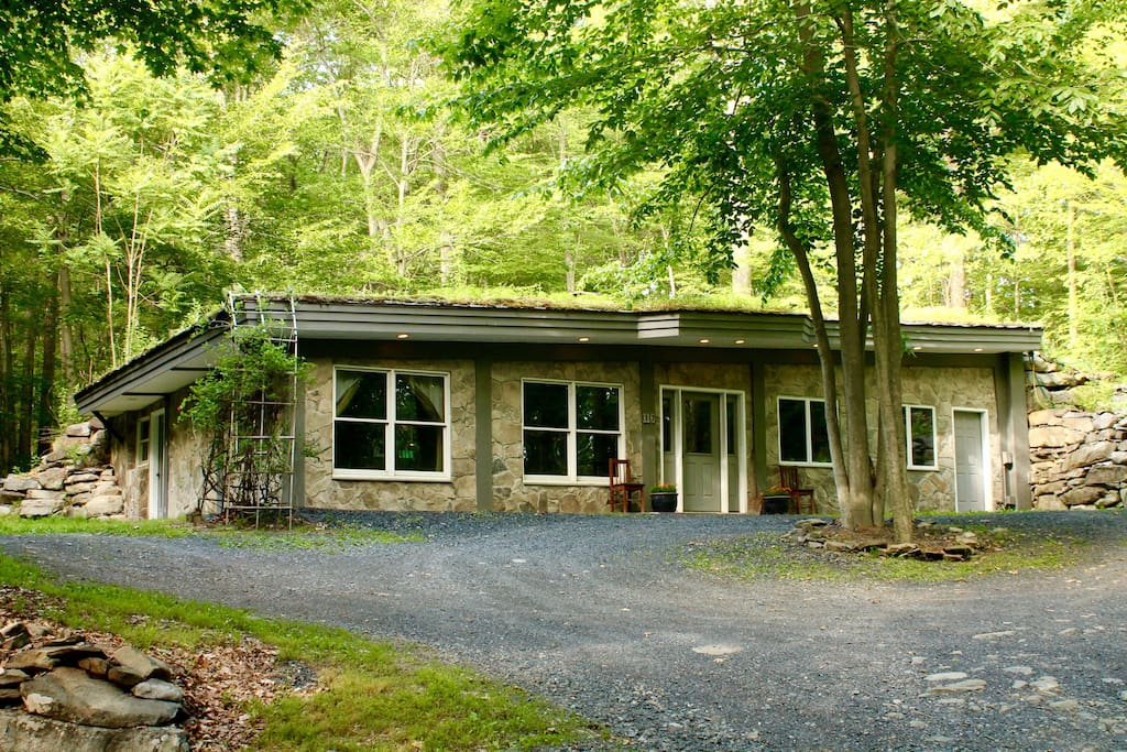 Earth house terra casa retreat center 2bdr case in for Casa a new york affitto