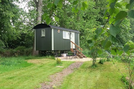 The Place for Ewe - rural Shepherd's Hut