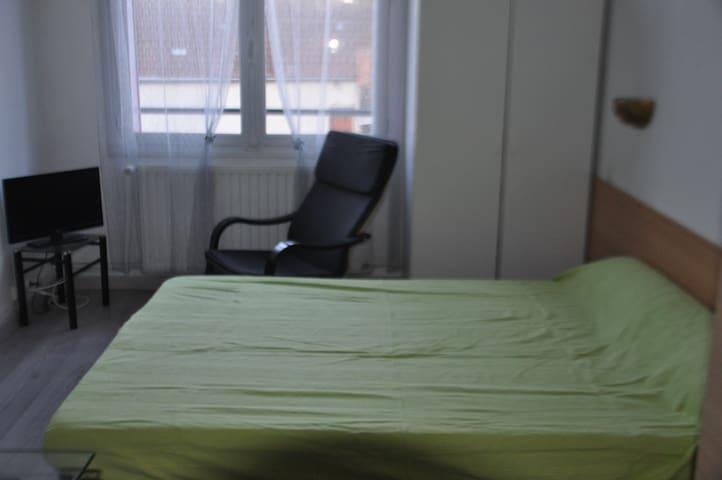 Studio N° 24