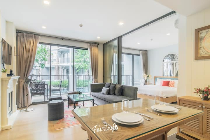 Lux & Relaxing 2BR Apartment with Pool Access