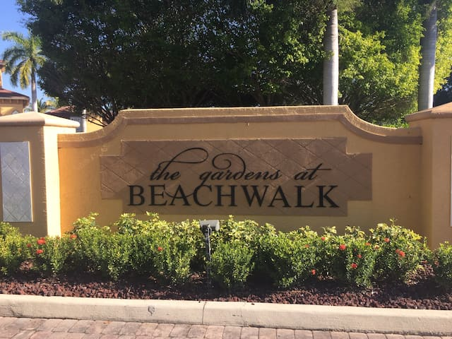 2 bedroom Luxury Condo - Fort Myers