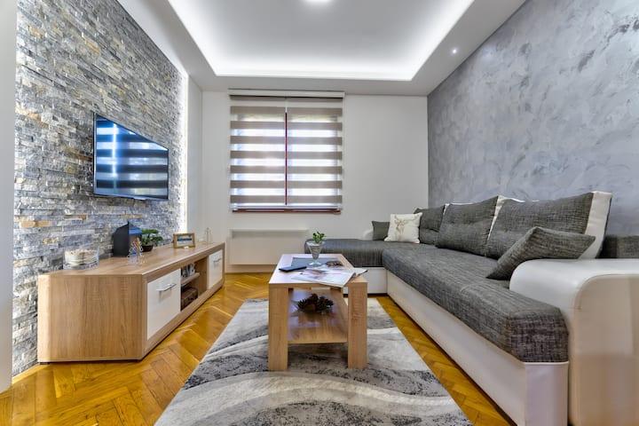 4S Apartment