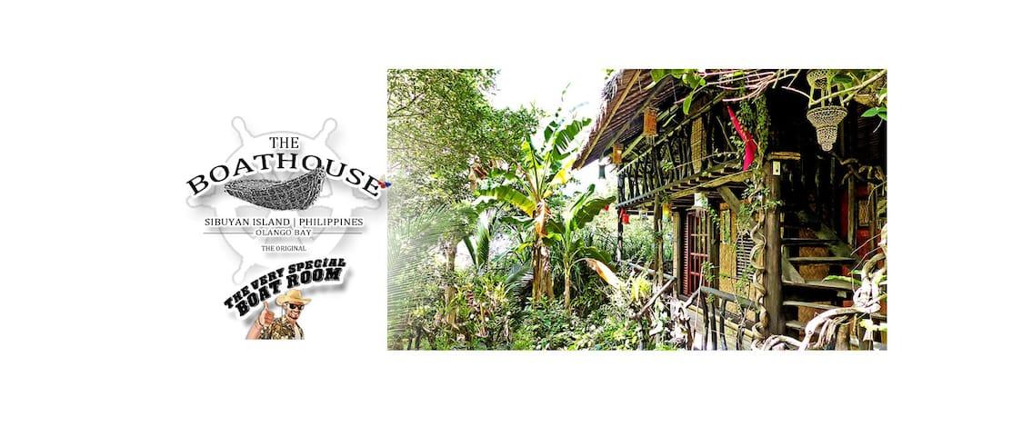 The Boathouse | Boat Room - Romblon - House