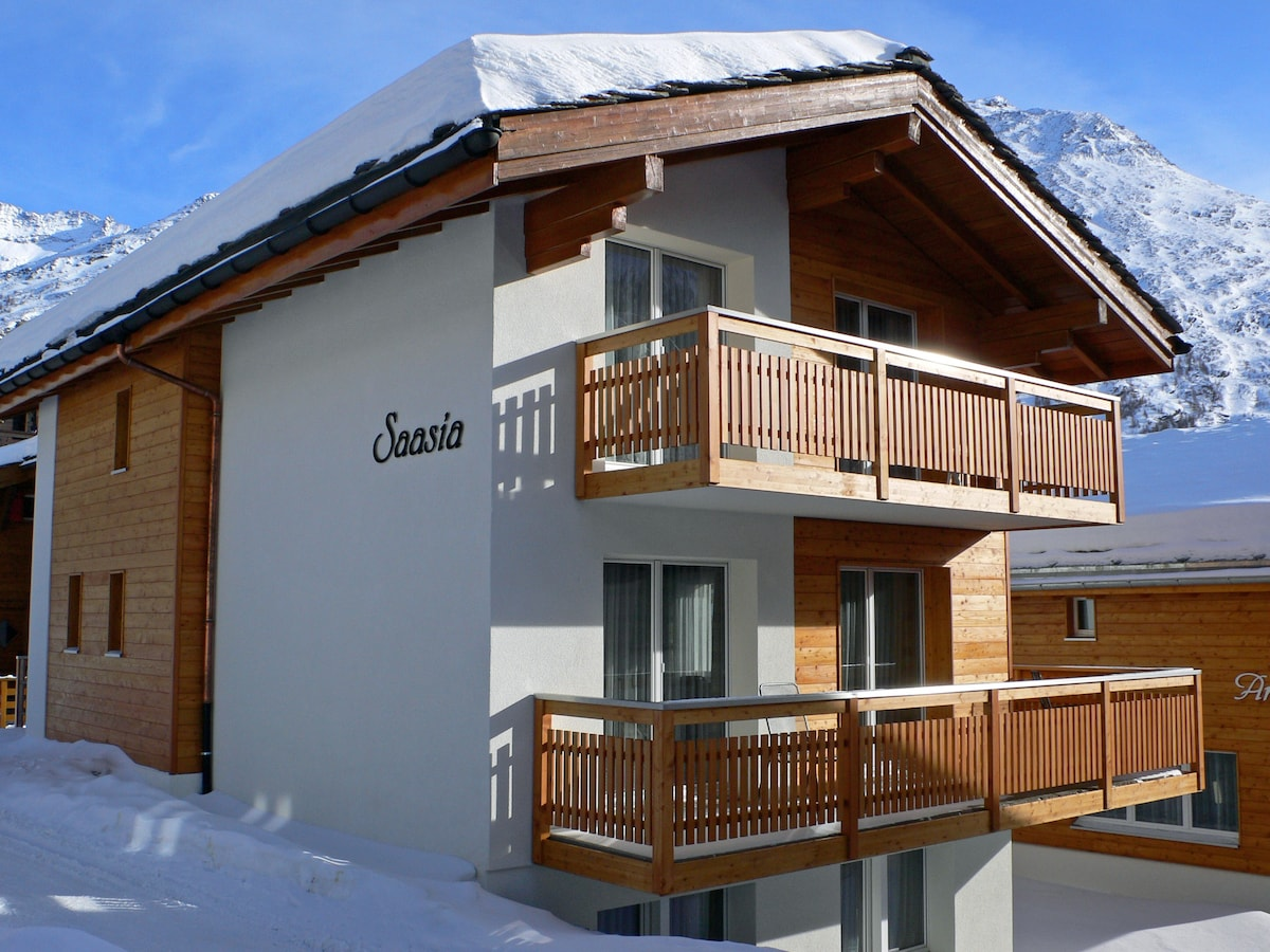 Exceptional Chalets In 3906 Saas Fee