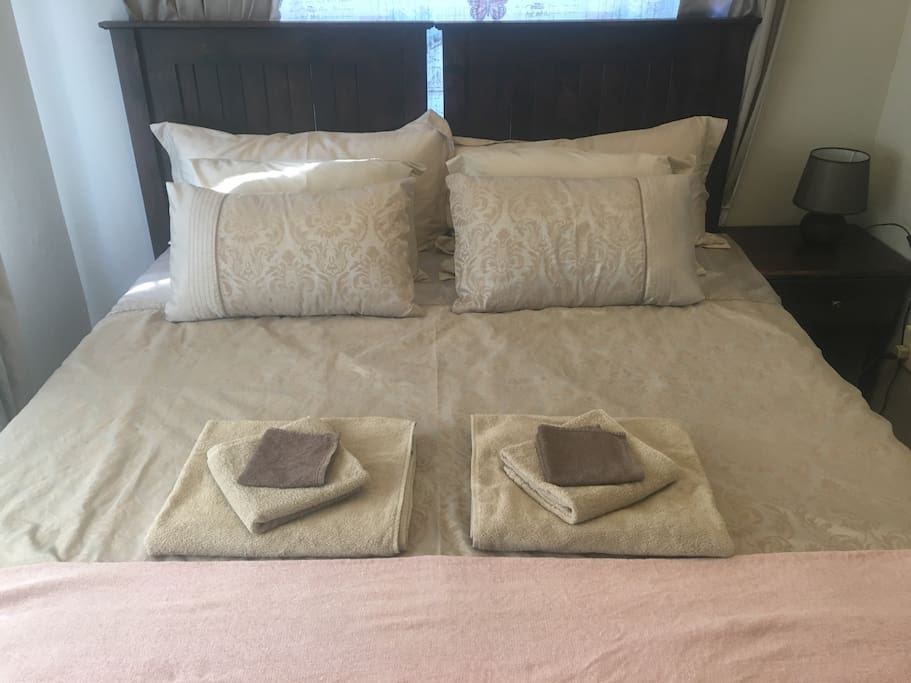 Double bed can be made into 2 singles