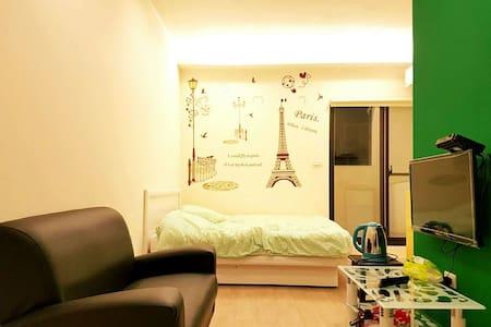 【夢想巴黎】 近基隆廟口 附近有室內停車場 地點優交通便利 - 基隆市 - Lakás