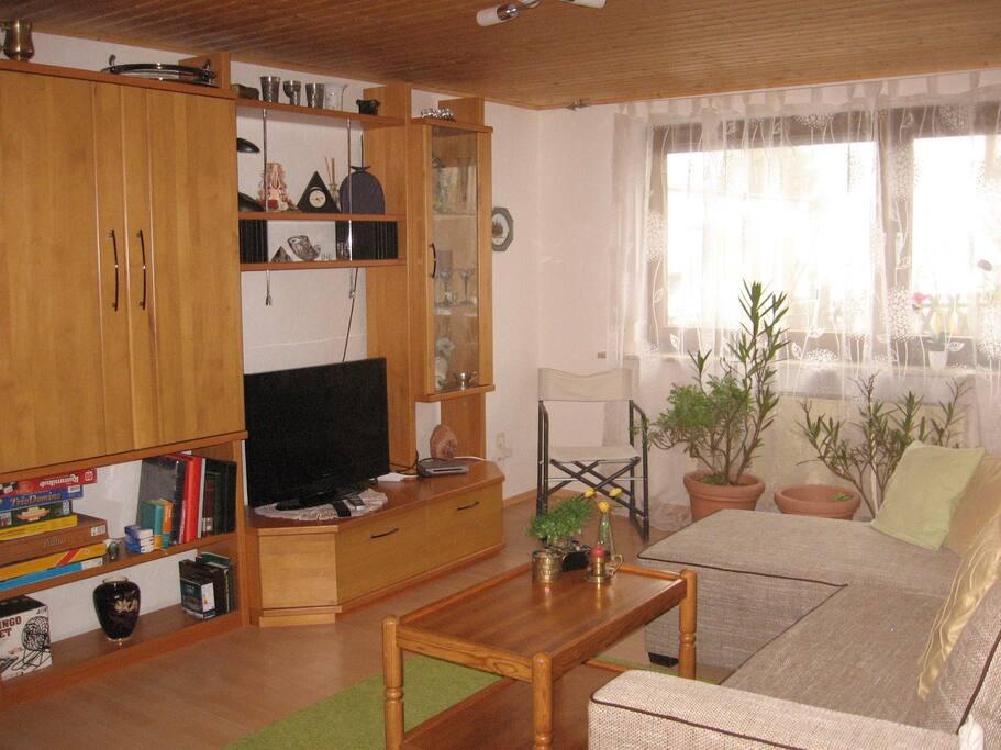 Wohnzimmer zum relaxen mit Schlafcouch ca. 140 x 200
