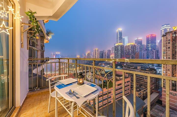 朝天门近解放碑洪崖洞观南滨路江景夜景地中海风格一线江景一室套房 - Chongqing - Apartamento