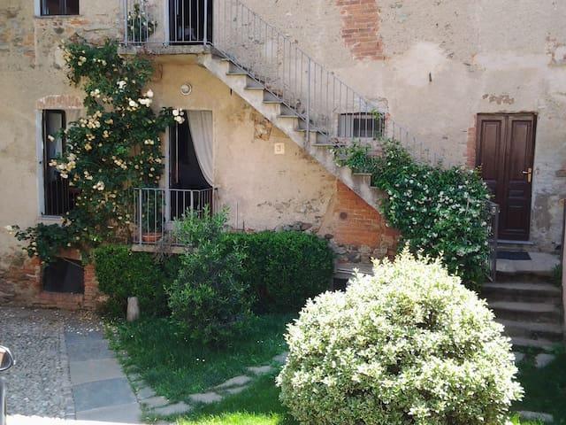 Grazioso bilocale con terrazza - Magnano - Квартира