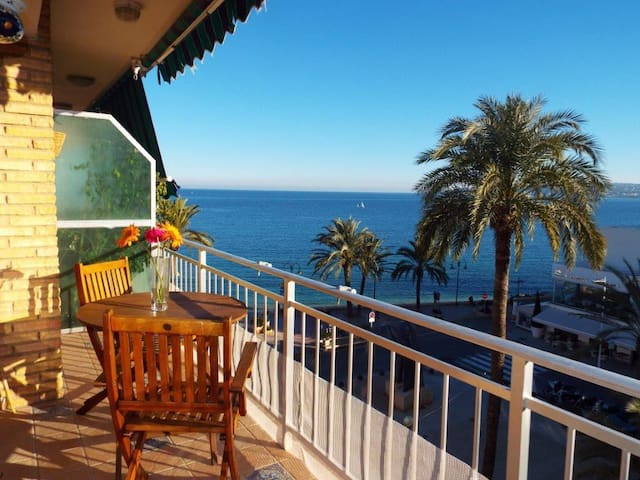 Apartamento con vistas- Penthouse with sea views