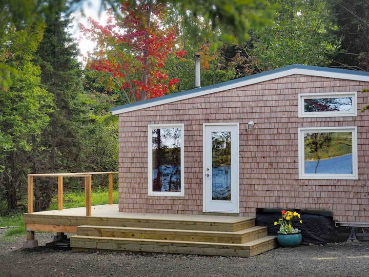 Mayfly Tiny House Lake Ainslie -10% for Scotians !