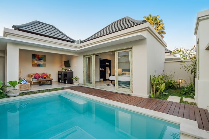 MONTHLY RENT Private Pool Villa Echo Beach Canggu!