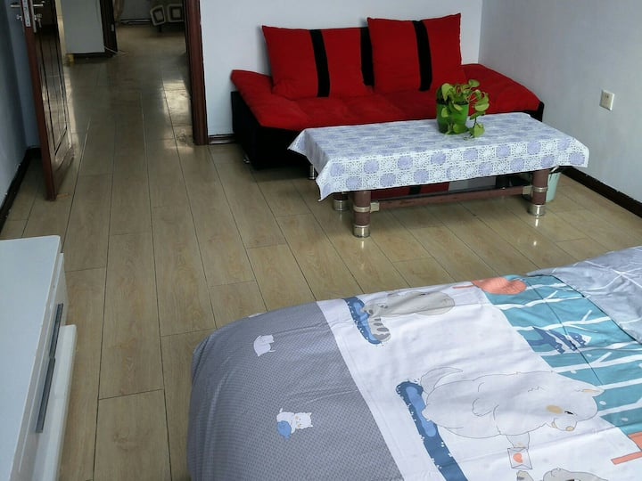 绿园区景阳广场吾悦广场旁唐糖的小家2室2厅。