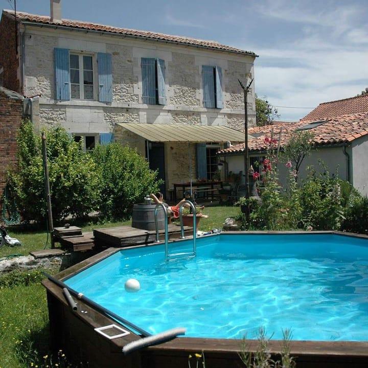 Charmante maison Charentaise centre ville Cognac