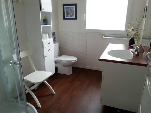 salle d'eau + penderie    8 m2