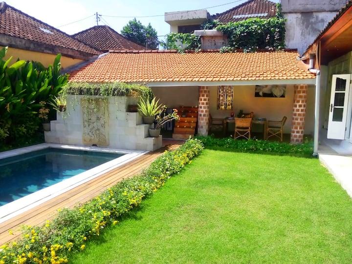 Villa Jasmine, 2 Bedrooms, Pool, Balinese style