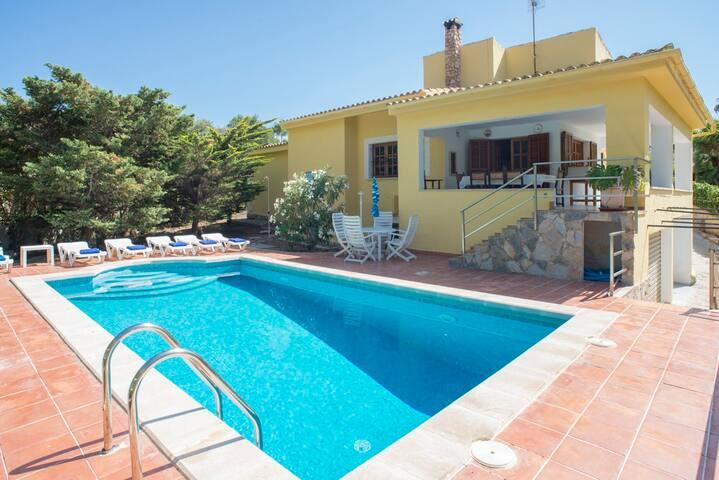 Preciosa casa con piscina - Casa Capitán