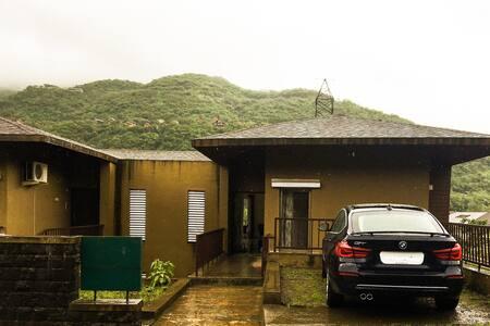 Luxurious Hill View Villa - Lavasa