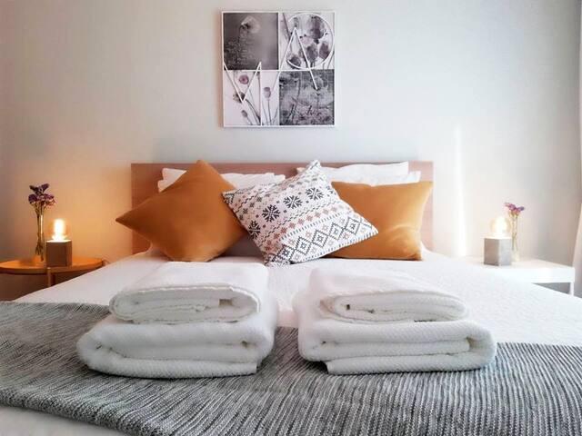BragaPark Home: quarto de casal.
