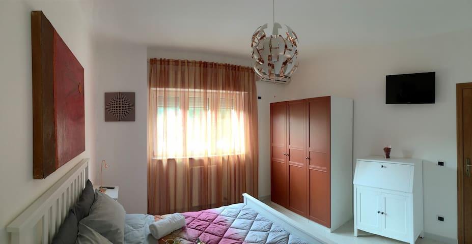 Hibiscus - queen-sized bed room