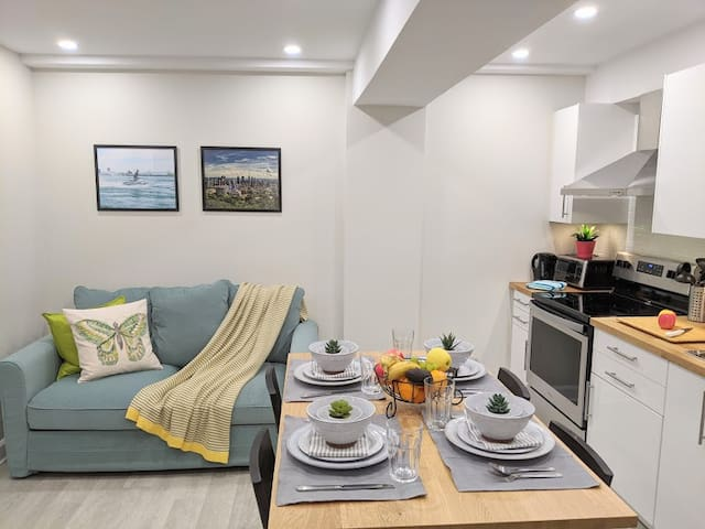3 bedroom Apartment - Recently Renovated!