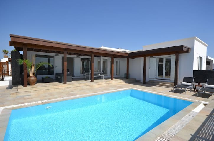 Luxury Villa Lanzarote Beach