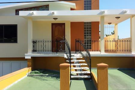 Casa privada Villa Serrano