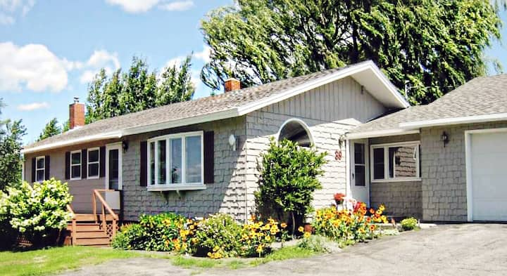 Renovated 3bdrm in PI-near snowmobile trails!