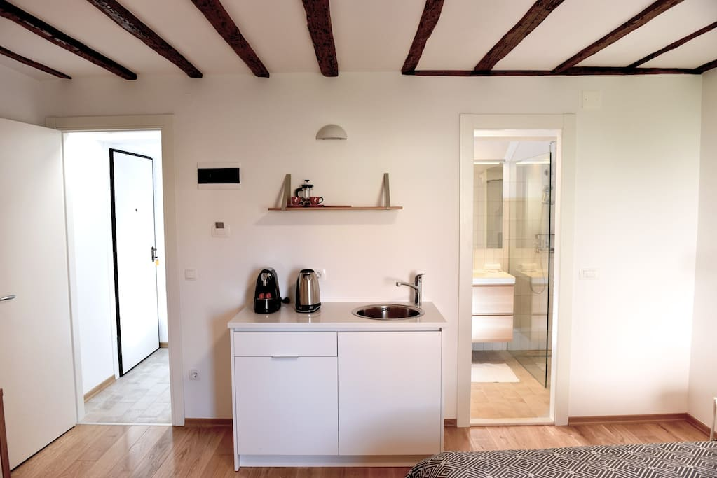 Fully optioned kitchenette