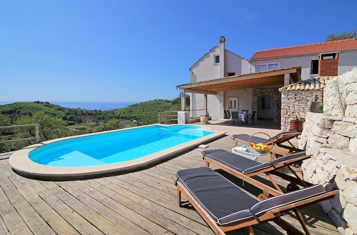 Three bedroom house with terrace and sea view Babino Polje, Mljet (K-14926)