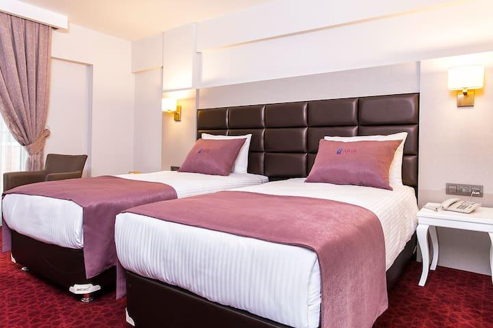 Perla Arya Hotel