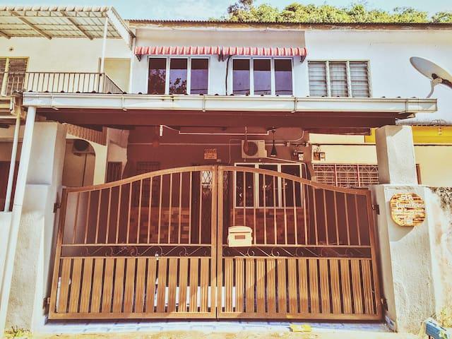 Sir Guest House Kampar Perak - Kampar - Dom