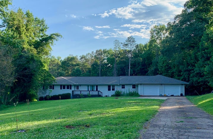 Trailway Acres (Unit A) - cyclists/runners haven!