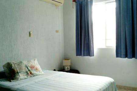 Agradable, segura y limpia habitacion