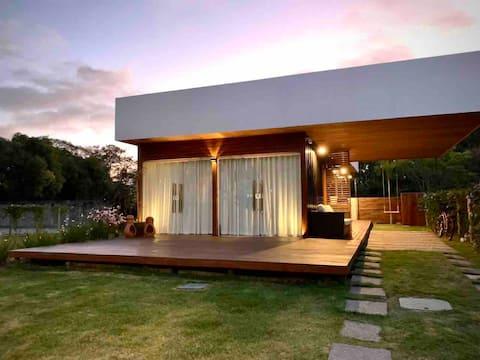 Stilig hus midt i naturen, 12 min. fra toppstrendene
