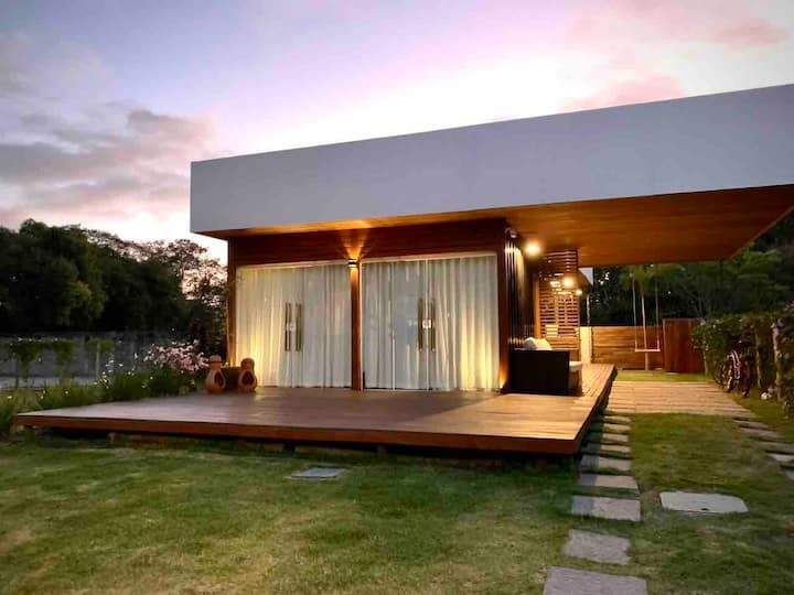 Stylish House Amid Nature, 12min. from Top Beaches