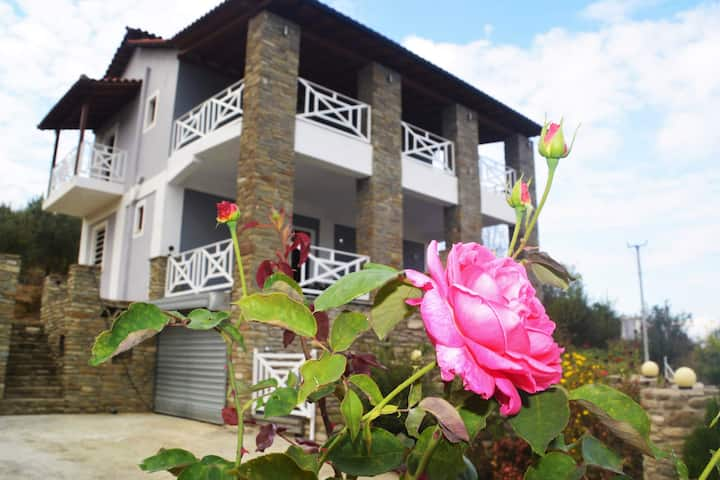 Villa Joana just 10' min from Berat old town