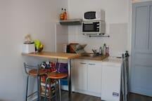 Petit studio au cœur du 18ème, 15 mn de Montmartre